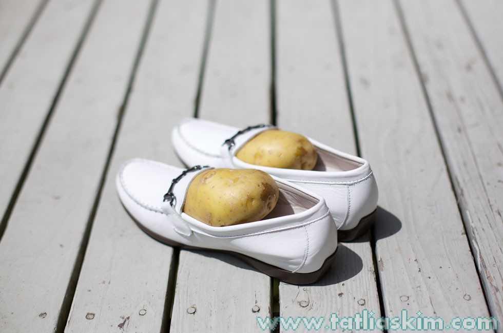 Ayakkabı kokusunu gidermek için patates 8