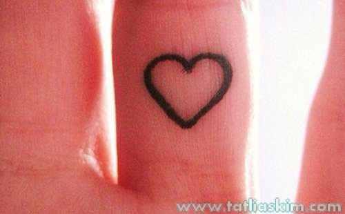 kolay çizilen kalp tattoo