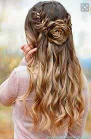 yarım toplanmış dalgalı saç modelleri