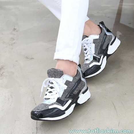 gizli yüksek topuklu spor ayakkabı